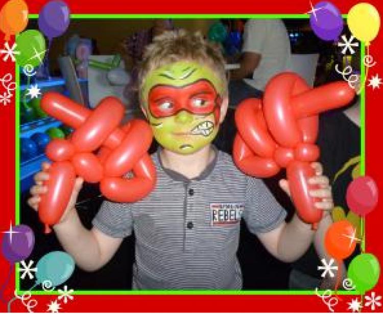 Face Painter / Balloon Twister Combo Artist